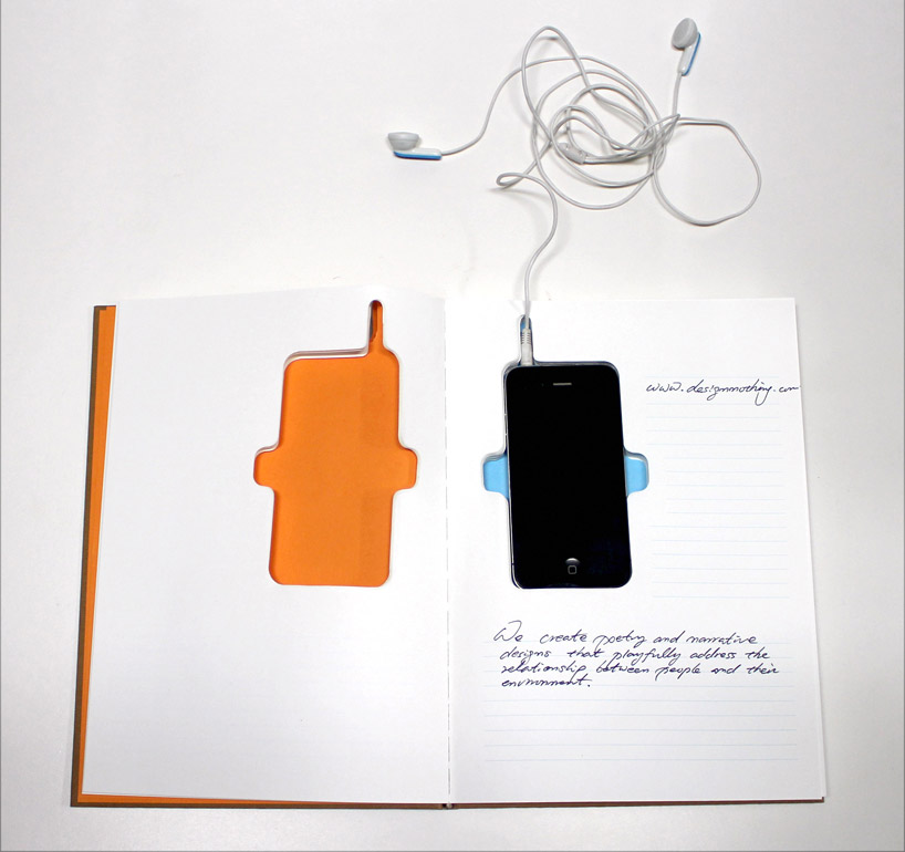 Smartphone Notebook Version 2 / The Nothing Design Group