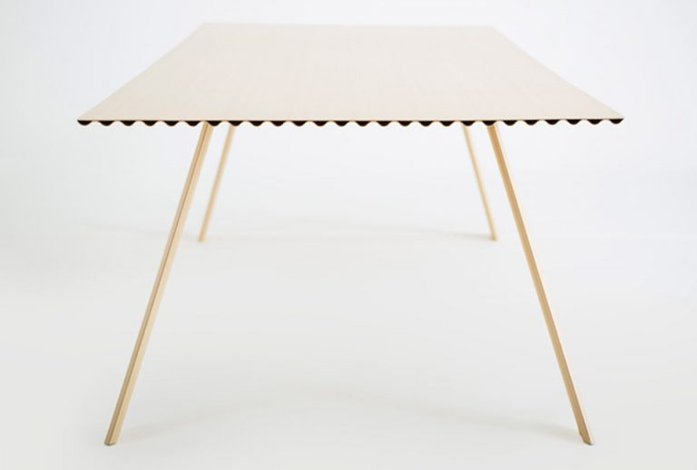 Ripple Table / Benjamin Hubert