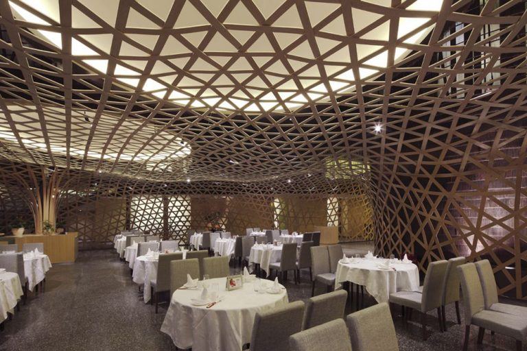Tang palace restaurant / Atelier FCJZ