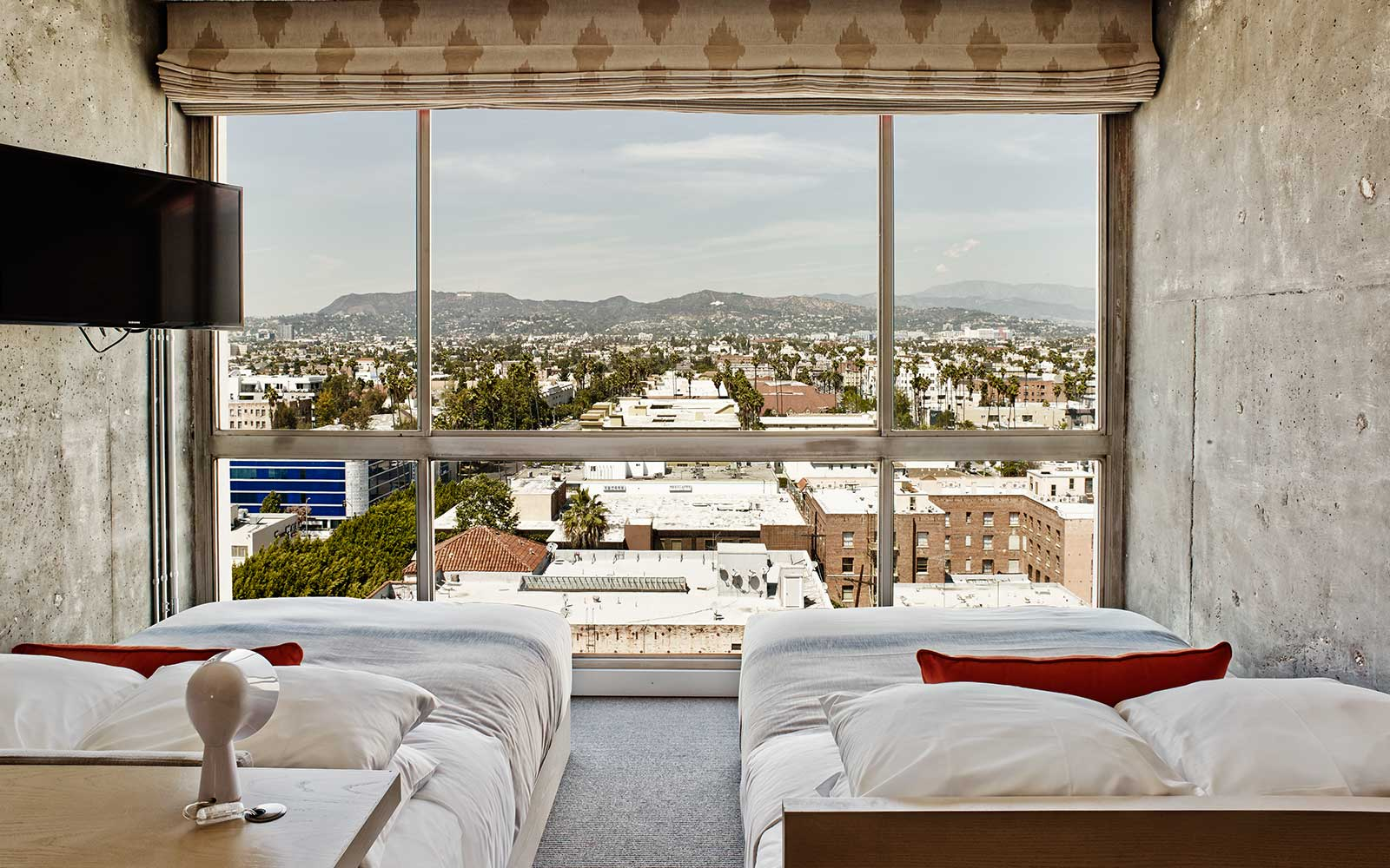 The Line Hotel - Room / Knibb Design (11)