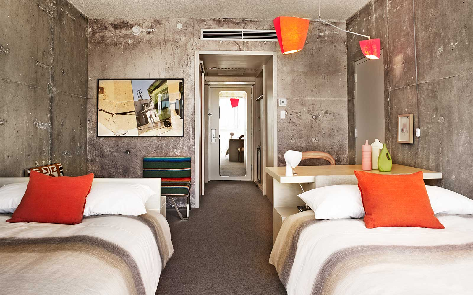 The Line Hotel - Room / Knibb Design (10)