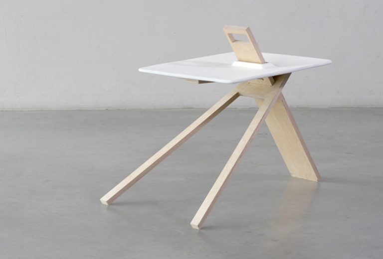 Tripod Side Table / Noon Studio