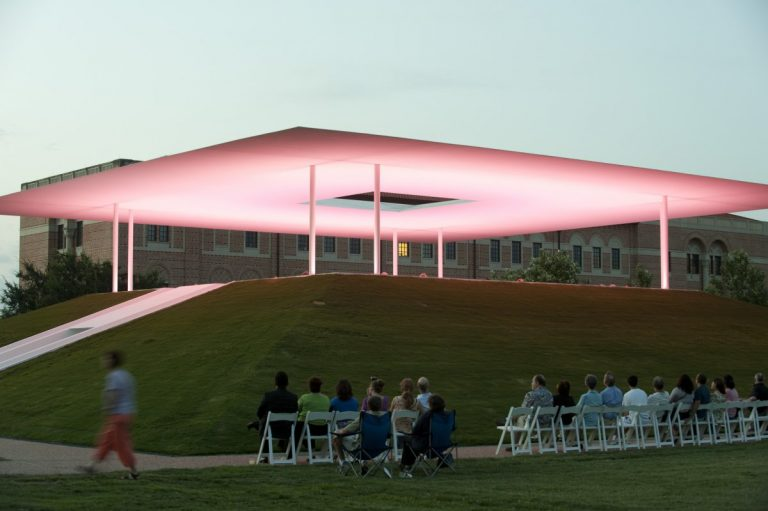 Twilight Epiphany / James Turrell