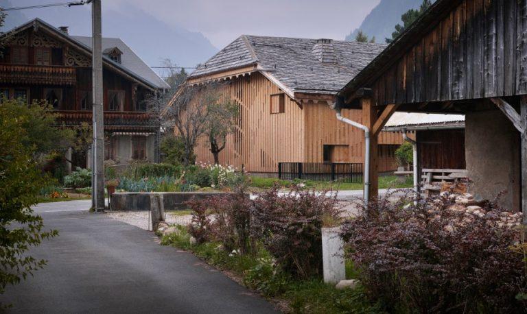 Villa Solaire / Jérémie Koempgen Architecture