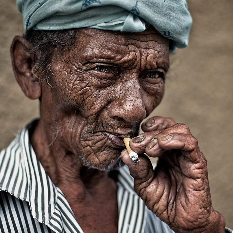yaman_ibrahim_smoker_2
