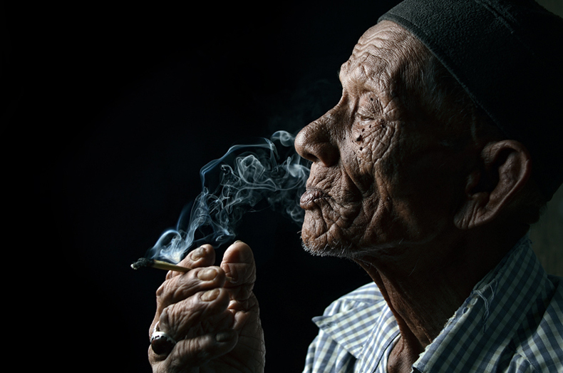 yaman_ibrahim_smoker_3